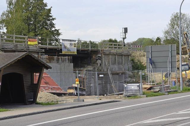 Fertigstellung der Eisenbahnbrücke verzögert sich um ein halbes Jahr