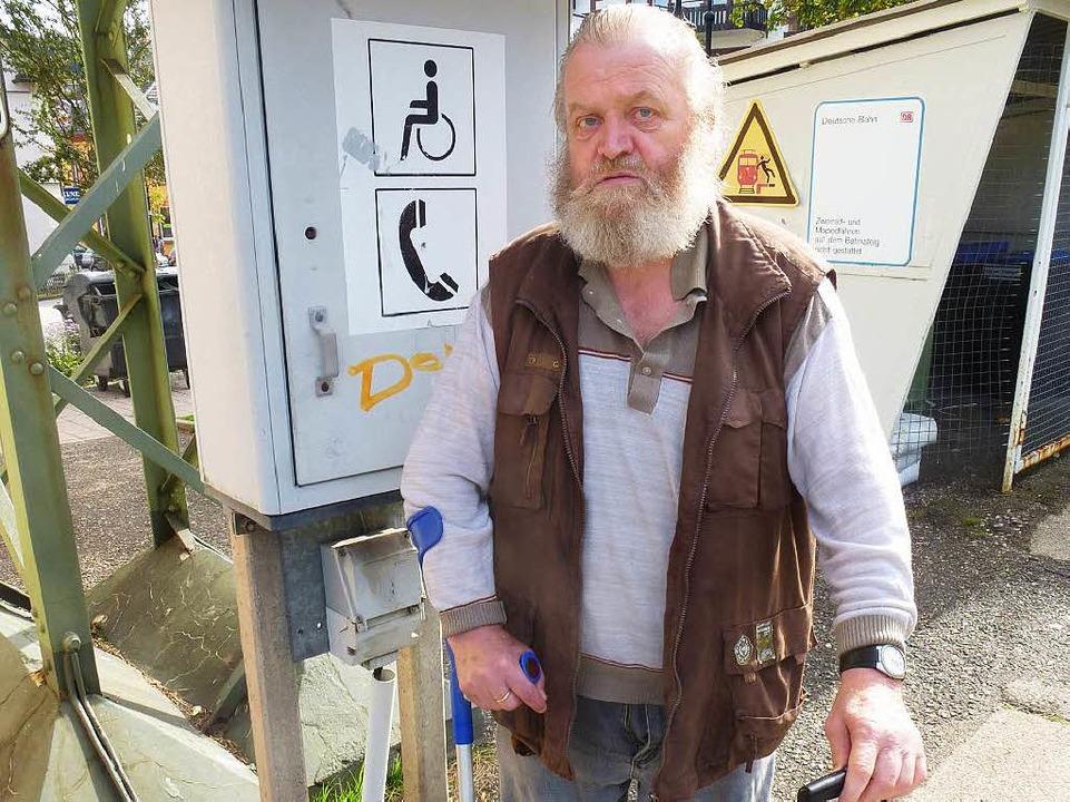 Achim Beer frustriert: Er ist auf Hilfe angewiesen.    Foto: Peter Stellmach