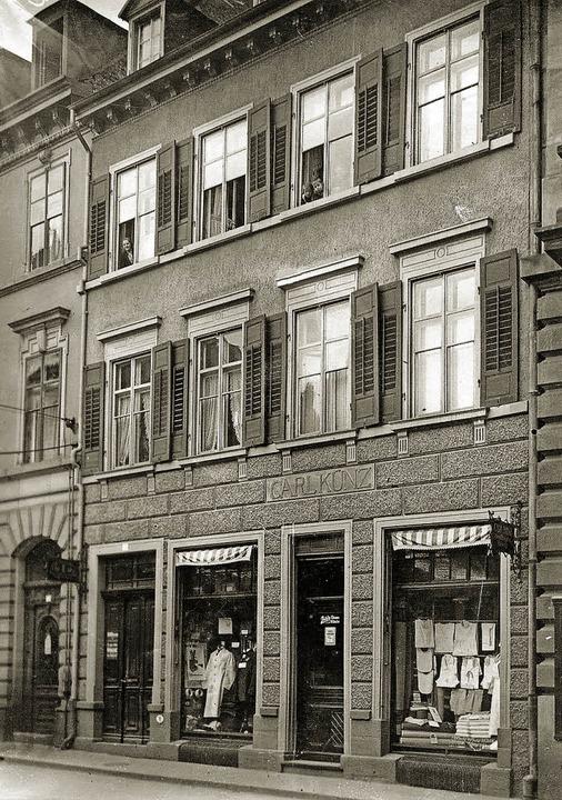 Das ehemalige Haus mit dem Geschäft vo...zwischen von der Universität genutzt.     Foto: Archiv Manfred Gallo
