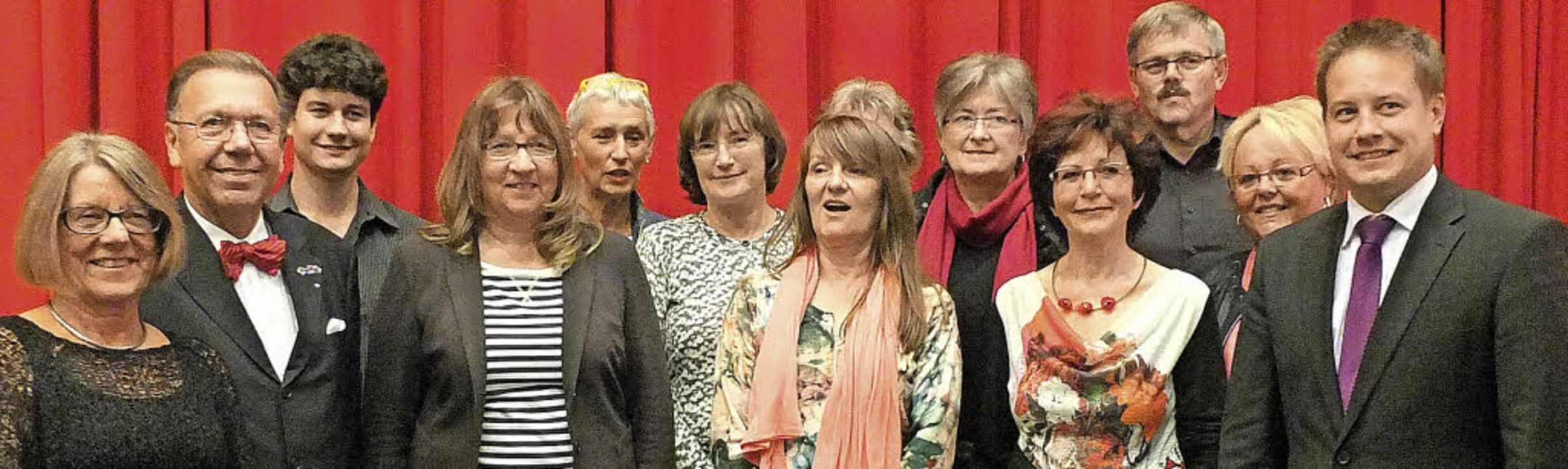 Der alte Vorstand bleibt der neue. Der...en Leitern der Arbeitsgemeinschaften.   | Foto: Martina David-Wenk
