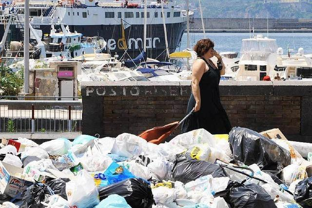 Neapel: Wer die Mafia verpfeift, zahlt keine Müllgebühr