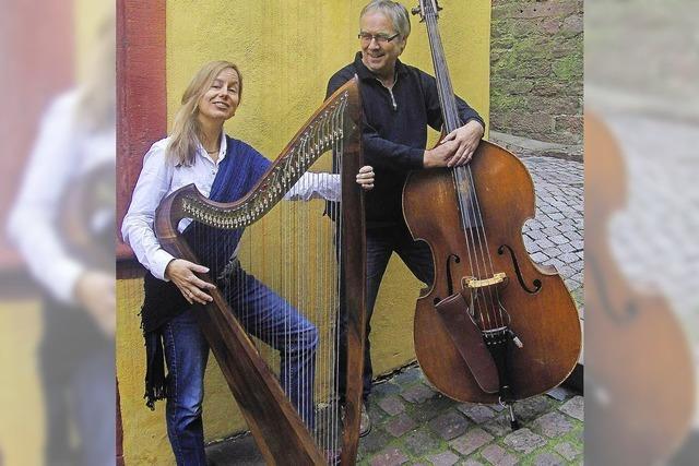 Sanne Liedtke singt in Kippenheim auf der gotischen Harfe