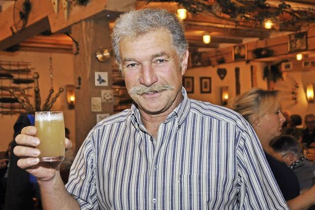 Seit Mitte September gibt es in der Schill-Hof-Strauße in March Neuen Wein