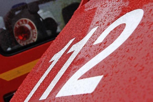 Feuerwehrfahrzeug wird repariert