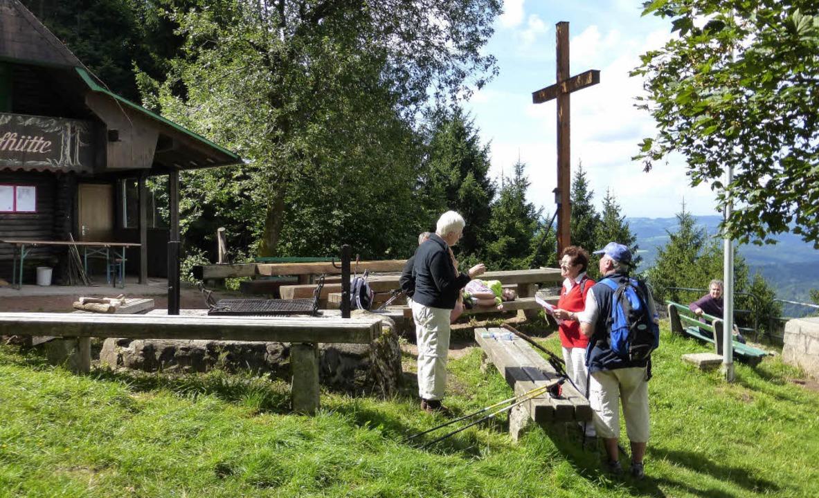 Am Dorferskapf trifft man immer Wanderer.     Foto: Fotos: Roland Gutjahr