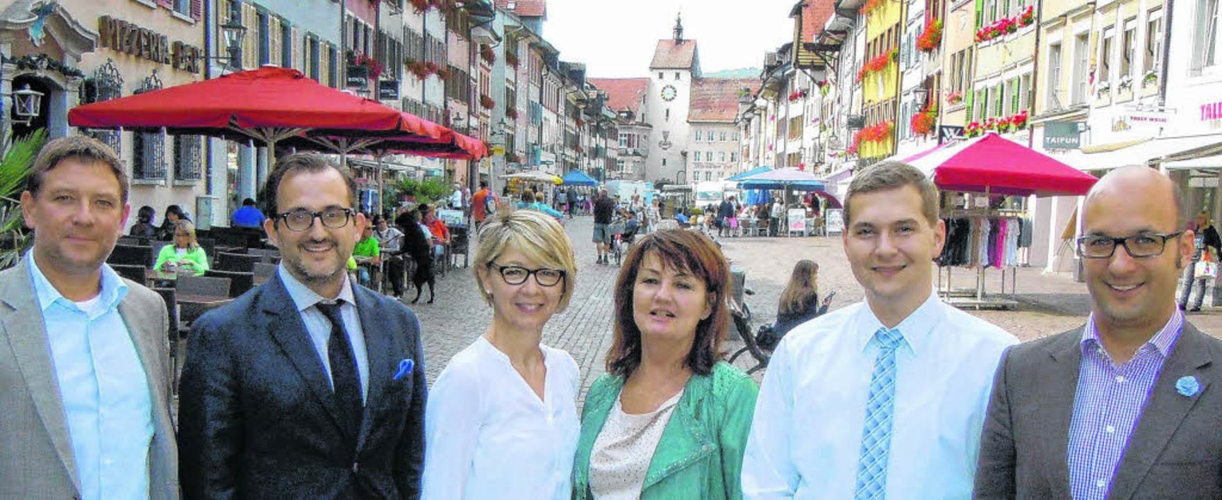 In der Waldshuter Fußgängerzone freuen... Halter, Timo Jehle und Jochen Seipp    | Foto: Roland Gerard