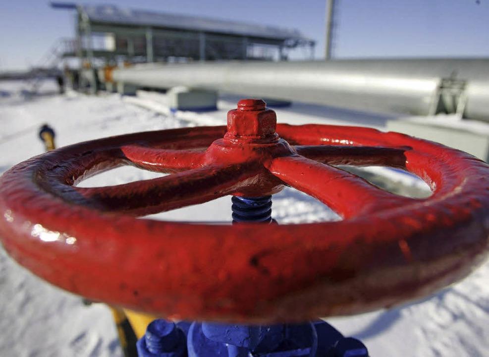 Der Gashahn bleibt offen.   | Foto: dpa