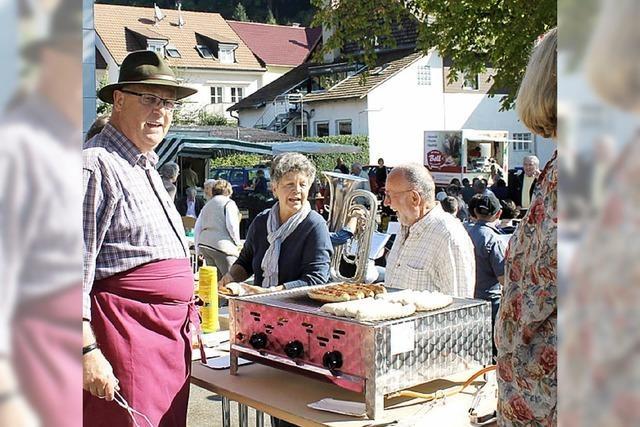 Marktfest mit Grill und Musik