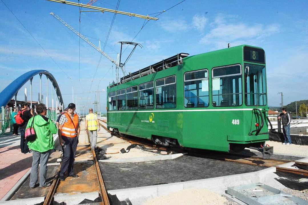 Von der Wendeschleife kehrt die Tram auf die Trambrücke zurück.  | Foto: Hannes Lauber