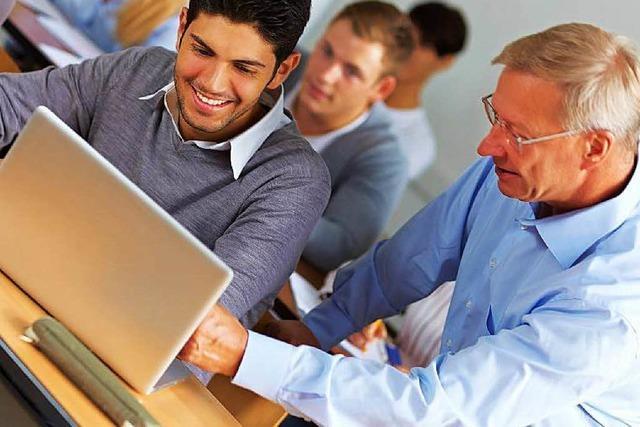 Unternehmen werben in Schulen für für Ausbildung im Betrieb