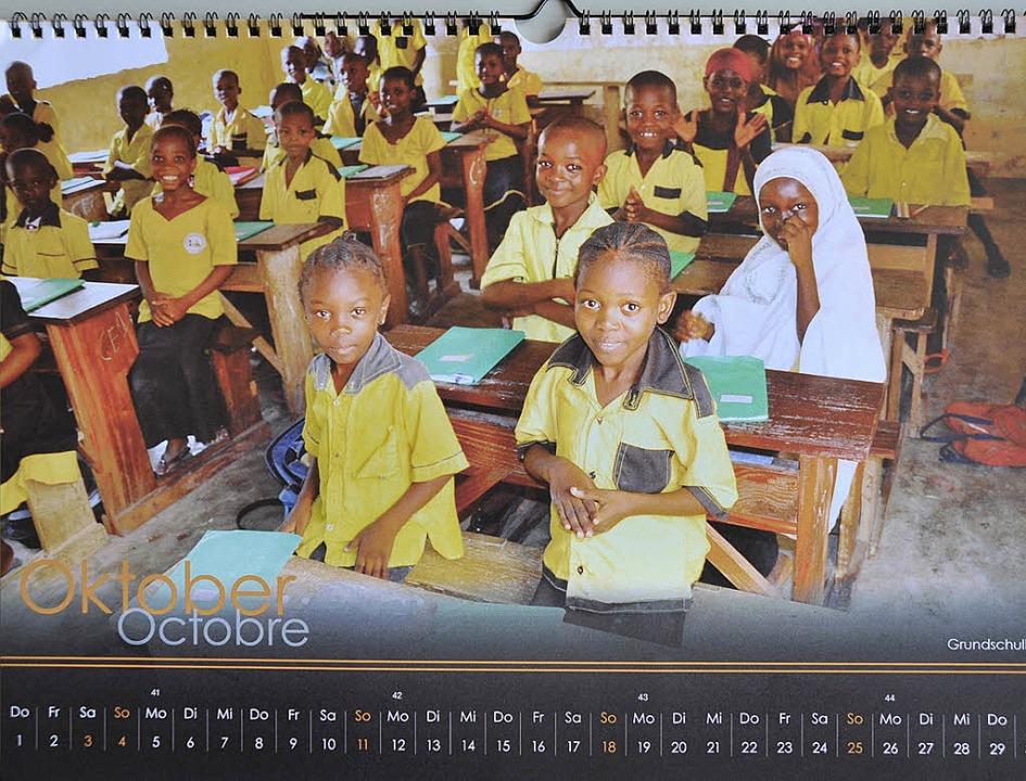 Der Kalender der  Freiburger Schüler z... bietet dazwischen Infos zum Projekt.   | Foto: BZ