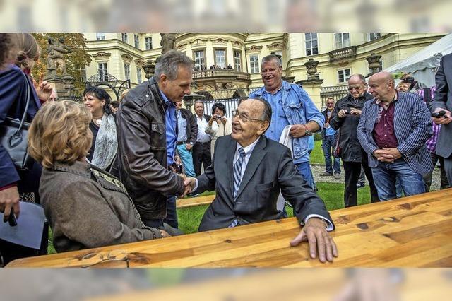 Ex-Außenminister Genscher trifft sich mit DDR-Flüchtlingen