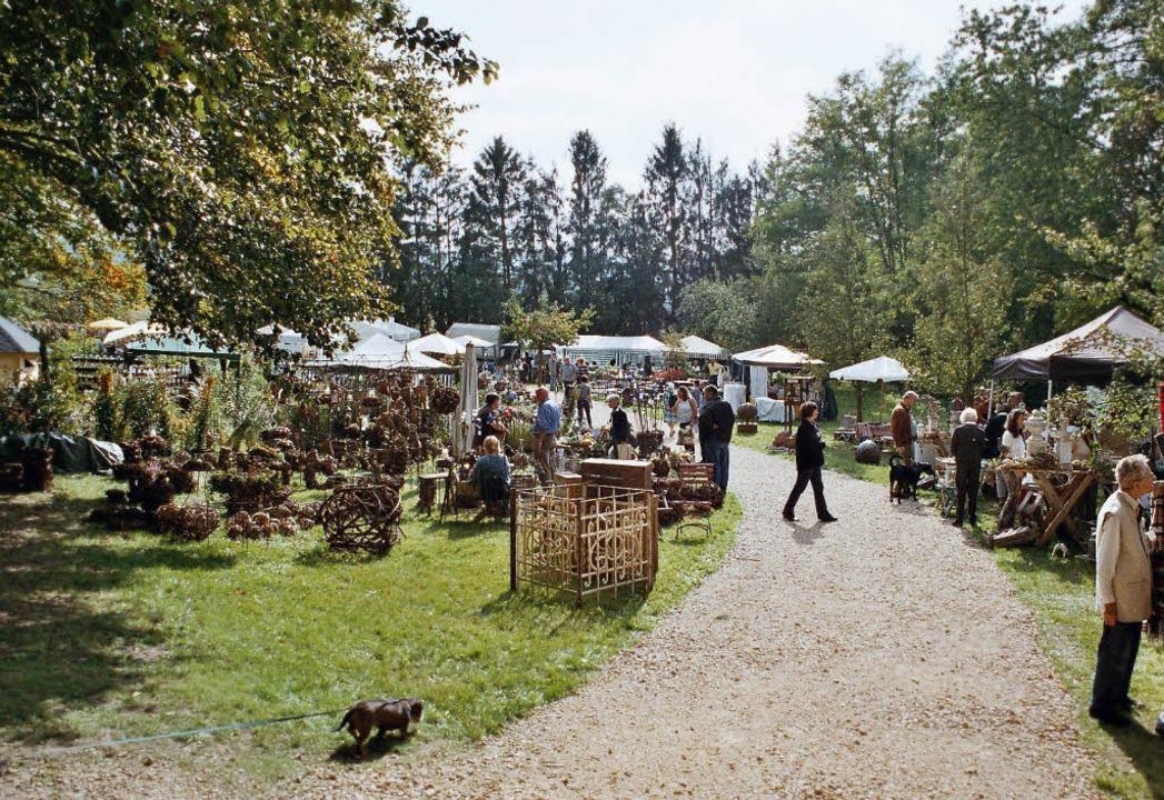 Spaziergang im Schlosspark: bei der Gartenmesse Bogart   | Foto: Bogart