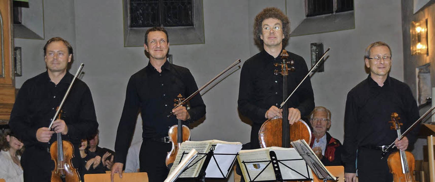 Tilman Büning, Stefan Arzberger, Matth...r (von links) in der Grenzacher Kirche  | Foto: Sarah Nöltner