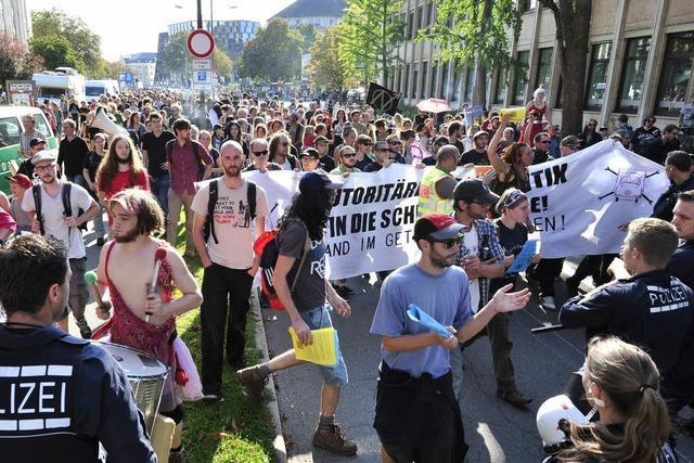 400 demonstrieren für die Wagenburg