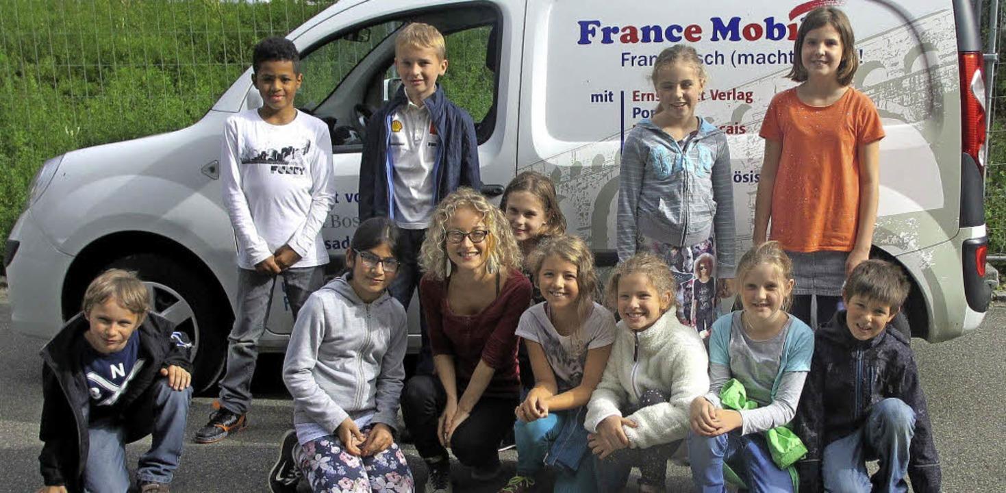 Mit der Sprache ihrer Nachbarn machten...eim Besuch des France Mobil vertraut.   | Foto: privat