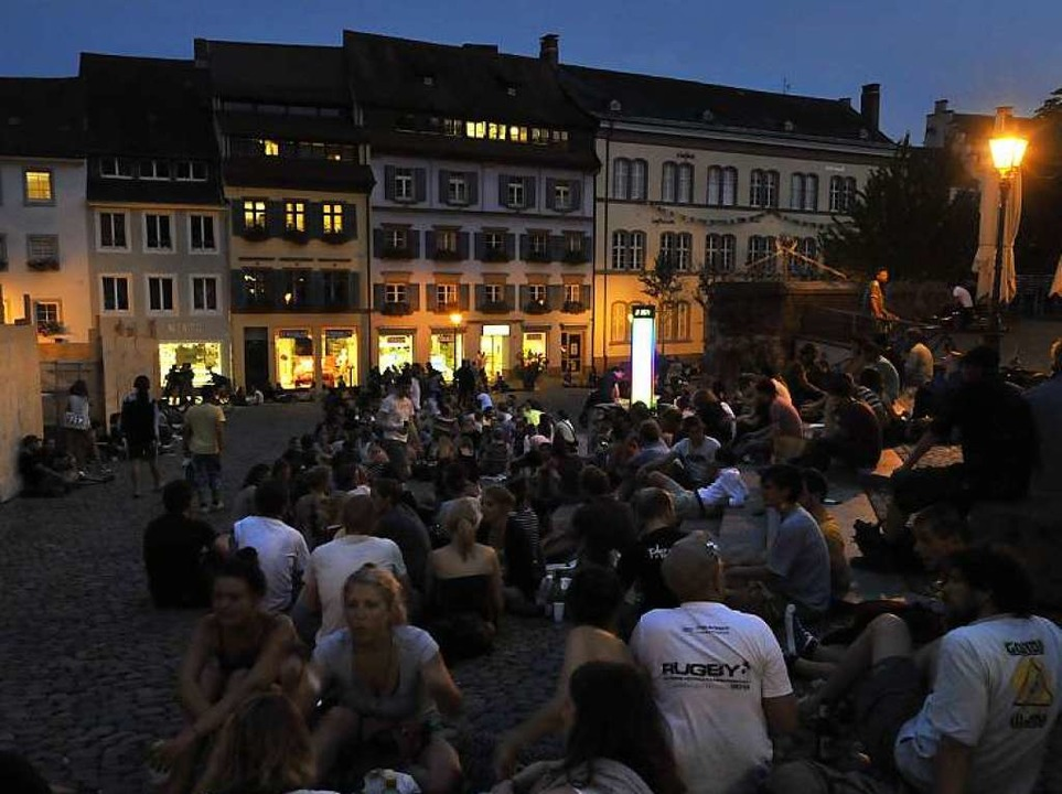Am Augustinerplatz trifft das Ausgehve... auf das Schlafbedürfnis der Anwohner.  | Foto: Michael Bamberger