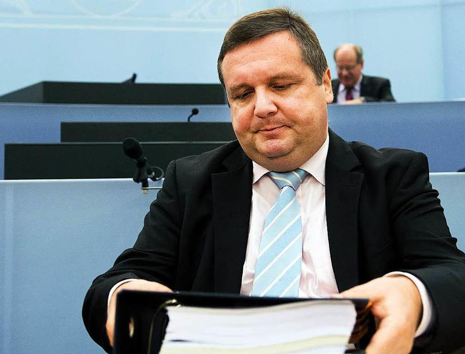 Stefan Mappus vor Beginn des EnBW-Unte...sausschusses im Februar dieses Jahres.  | Foto: dpa