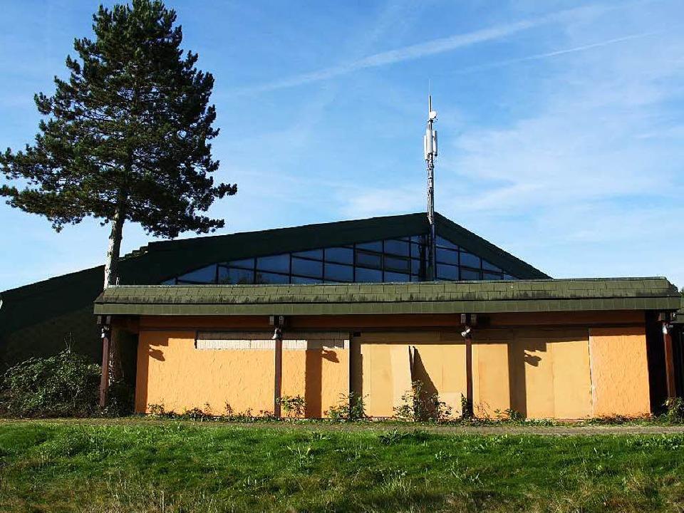 Die frühere Tennishalle in Kirchzarten wird zu einem  Oldtimer-Museum umgebaut.   | Foto: Andreas Peikert