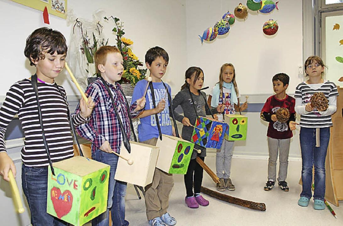Willkommensständchen gab es sowohl  vo...Schülern der vierten Klasse<ppp></ppp>    Foto: Anja Bertsch