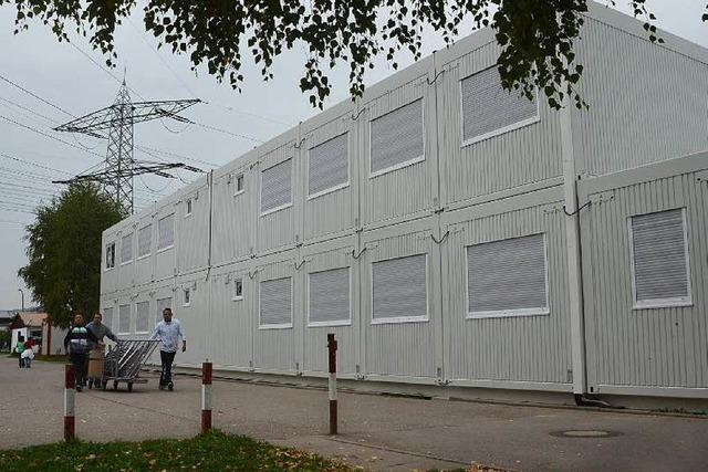 Flüchtlinge sollen in Container am Bahnhof Littenweiler einziehen