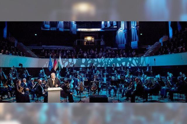 25 Jahre nach Mauerfall: Gauck ruft Kampf gegen Intoleranz auf