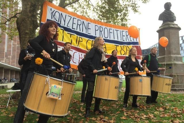 Protestaktion gegen TTIP in der Freiburger Innenstadt