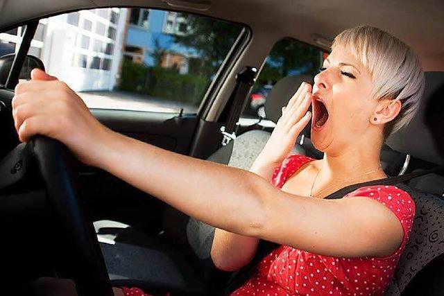 Warum Schläfrigkeit beim Autofahren so gefährlich ist