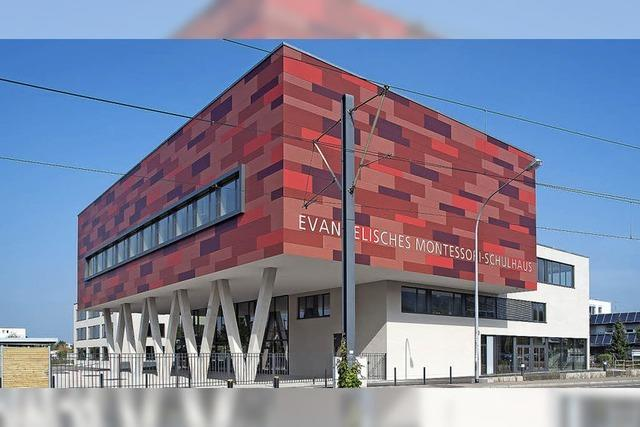 Schule wird eingeweiht
