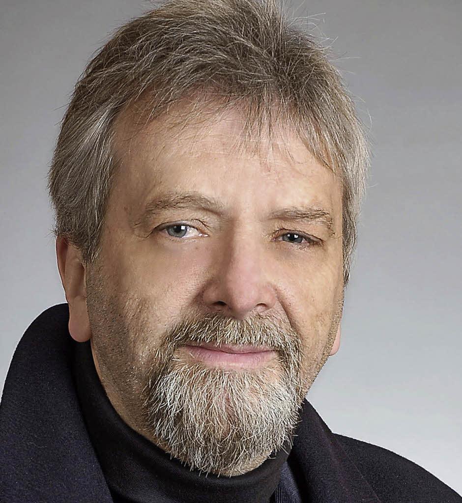 Klaus F Schmidt