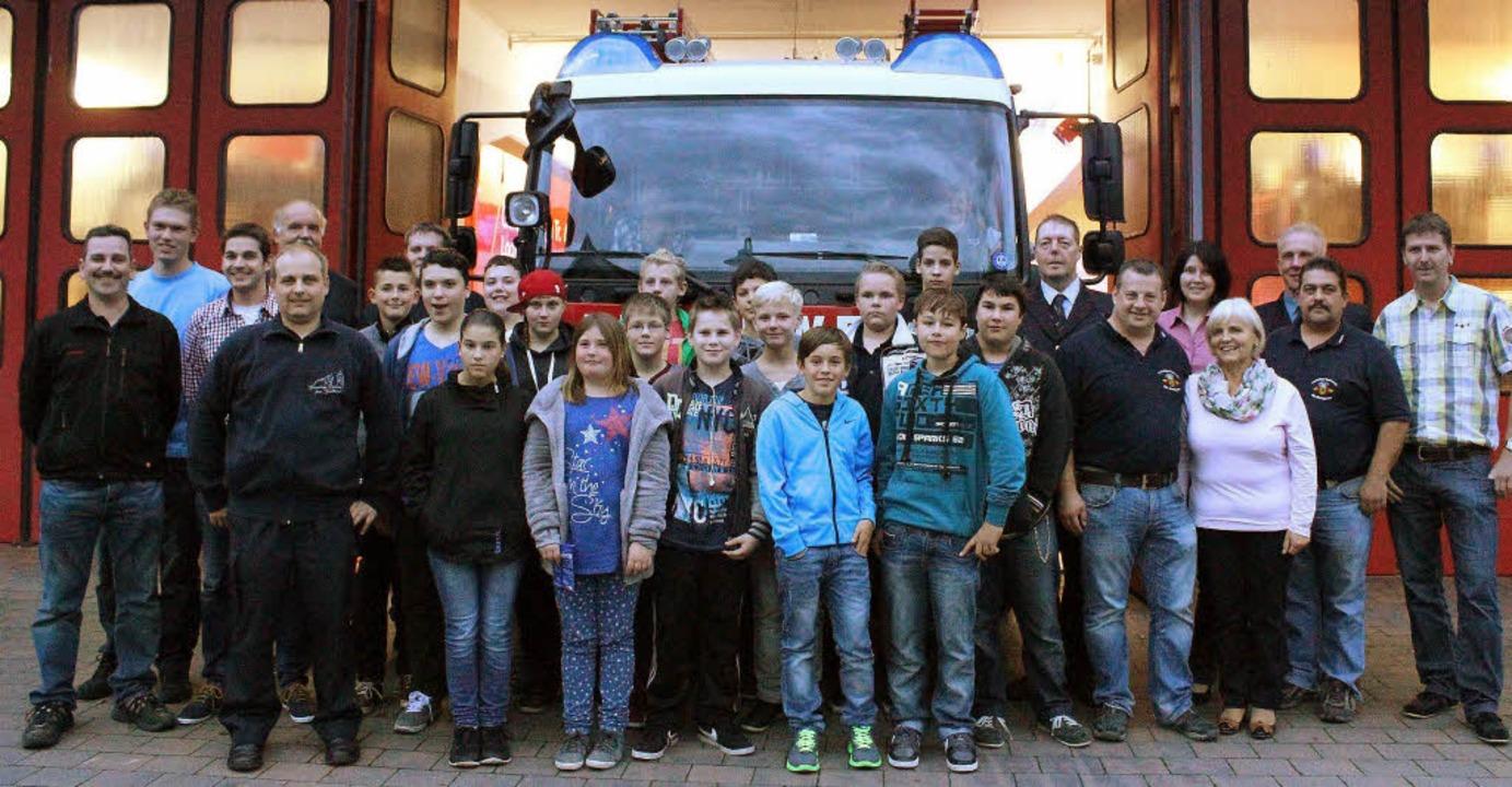 Jugendliche interessieren sich für die Feuerwehr.   | Foto: Otmar Faller