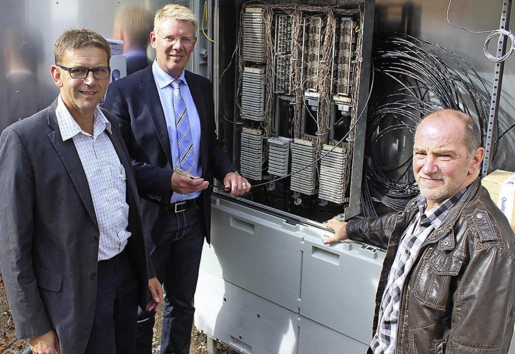 Freuen sich über den Breitband-Ausbau ...Riesterer und Bauleiter Ulrich Hügle.   | Foto: Marion Schöneberg
