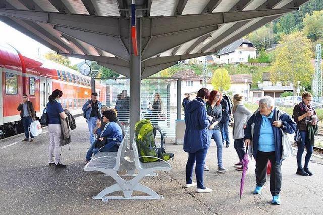 Bahnstreik: Wenig Züge, viel Ärger und Diskussion in Neustadt