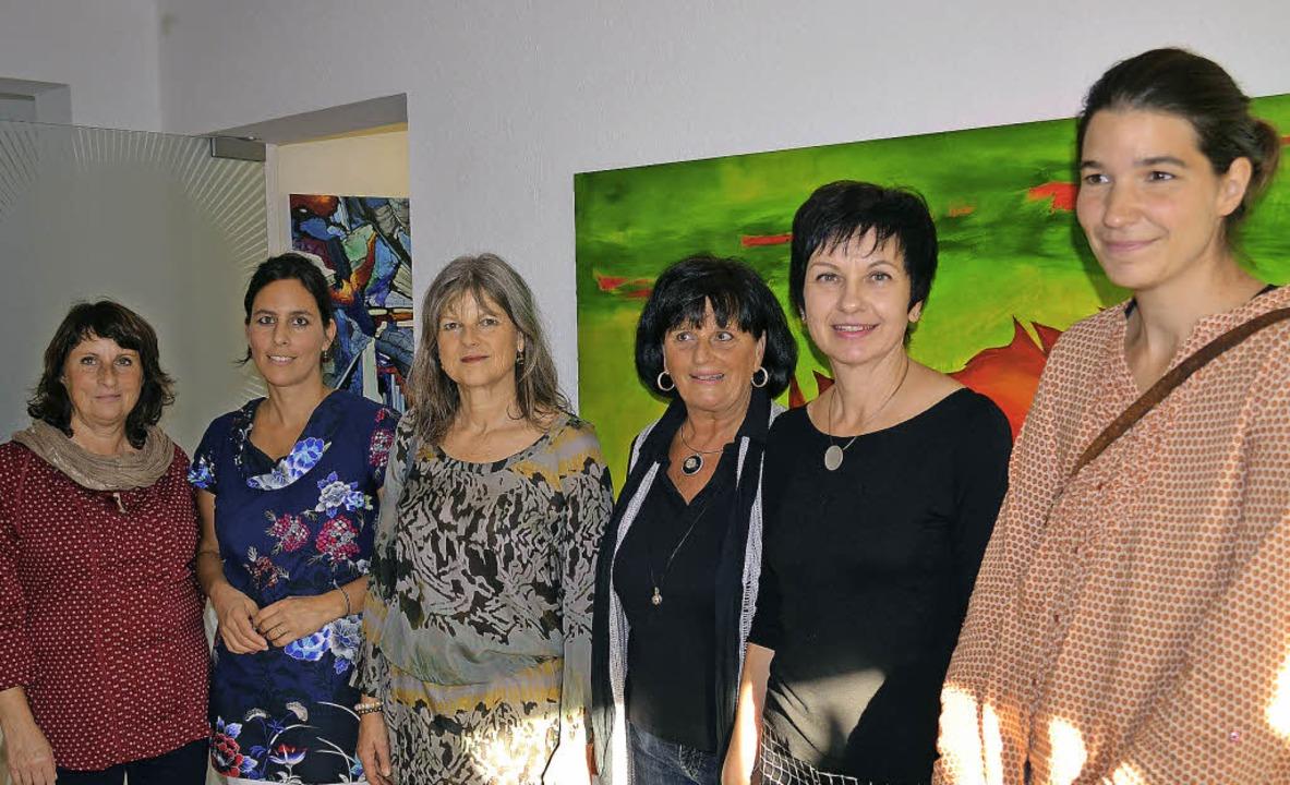 Sechs Künstlerinnen zeigen Kunst in de...Pompé, Ellen Mosbacher und Sarah Mroß   | Foto: Britta Wieschenkämper