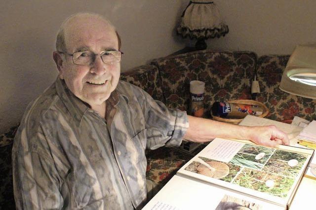 Ein Hobby-Archivar, der leidenschaftlich Geschichte(n) sammelt