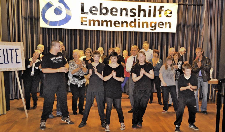 Inklusion ganz praktisch - die Lebensh...men Tanz auf der Bühne mit Behinderten  | Foto: Markus Zimmermann