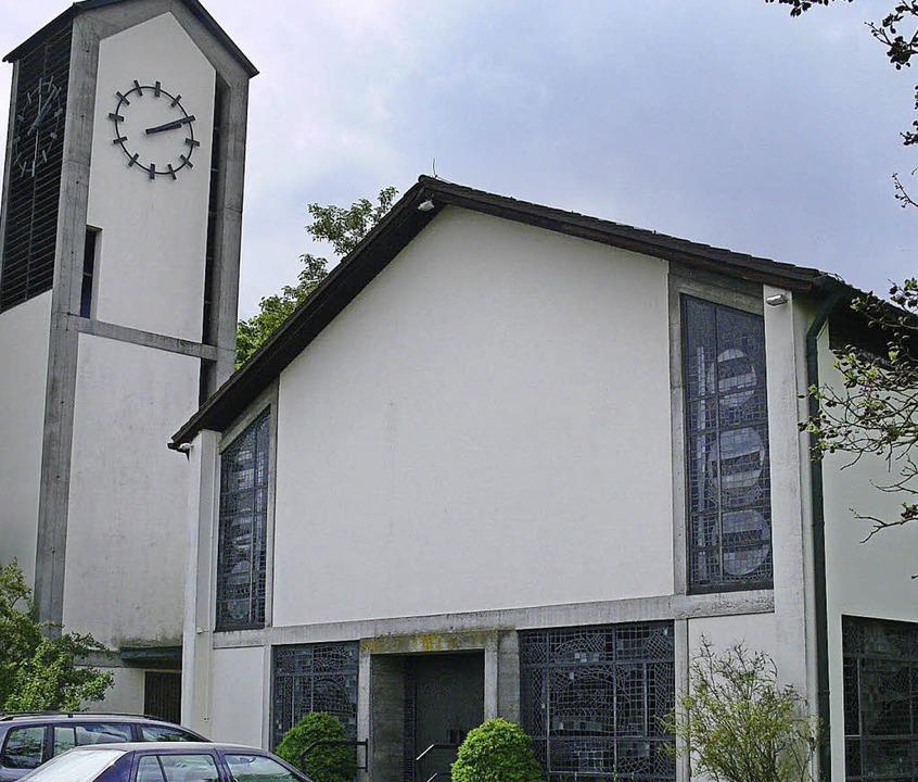 Der Zahn der Zeit nagt an der Auferstehungskirche.   | Foto: dieter fink
