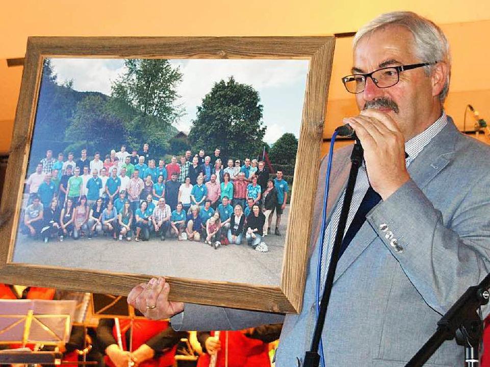 Bürgermeister Helmut Kaiser beim Festa...ischen St. Jean de Sixt und Dachsberg.  | Foto: Karin Stöckl-Steinebrunner