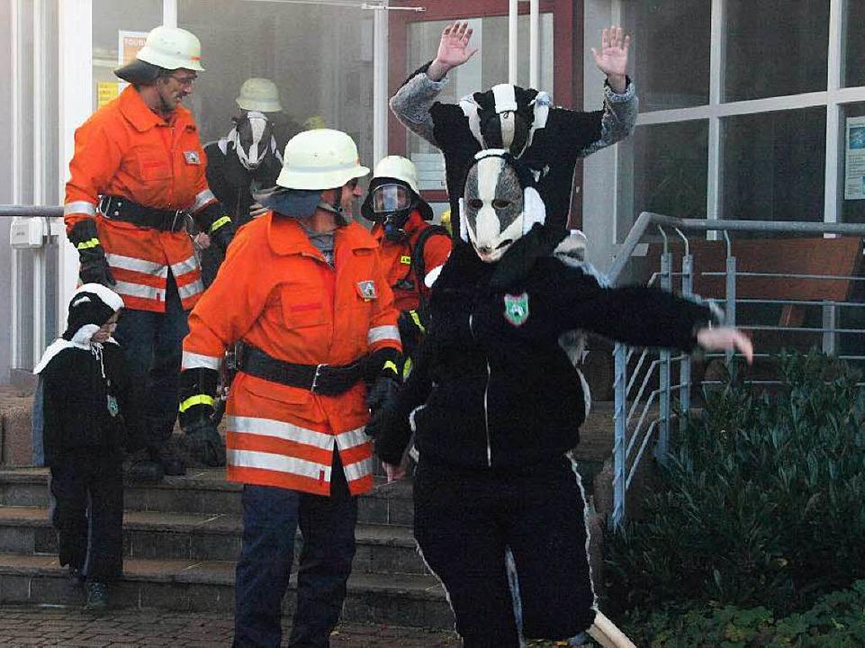 Viel Spaß hatten die Besucher aus St. ...ng der Feuerwehr auf dem Rathausplatz.  | Foto: Karin Stöckl-Steinebrunner