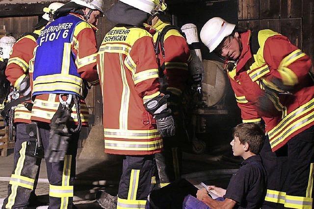 Die Feuerwehr übt erstmals in neuer Einsatzkleidung