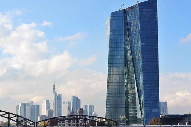 Der schräge Turm von Frankfurt