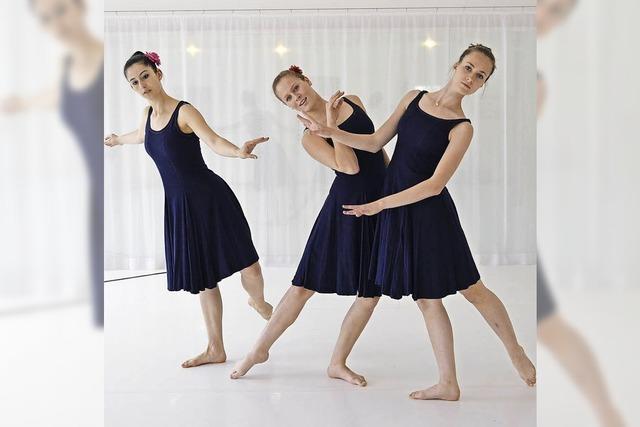 Die Modern-Dance-School tritt in Freiburg auf