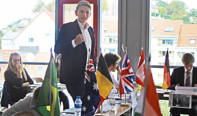 Die Teilnehmer der Regio-MUN diskutierten über aktuelle internationale Themen.  | Foto: Hannah Mariel Wendel