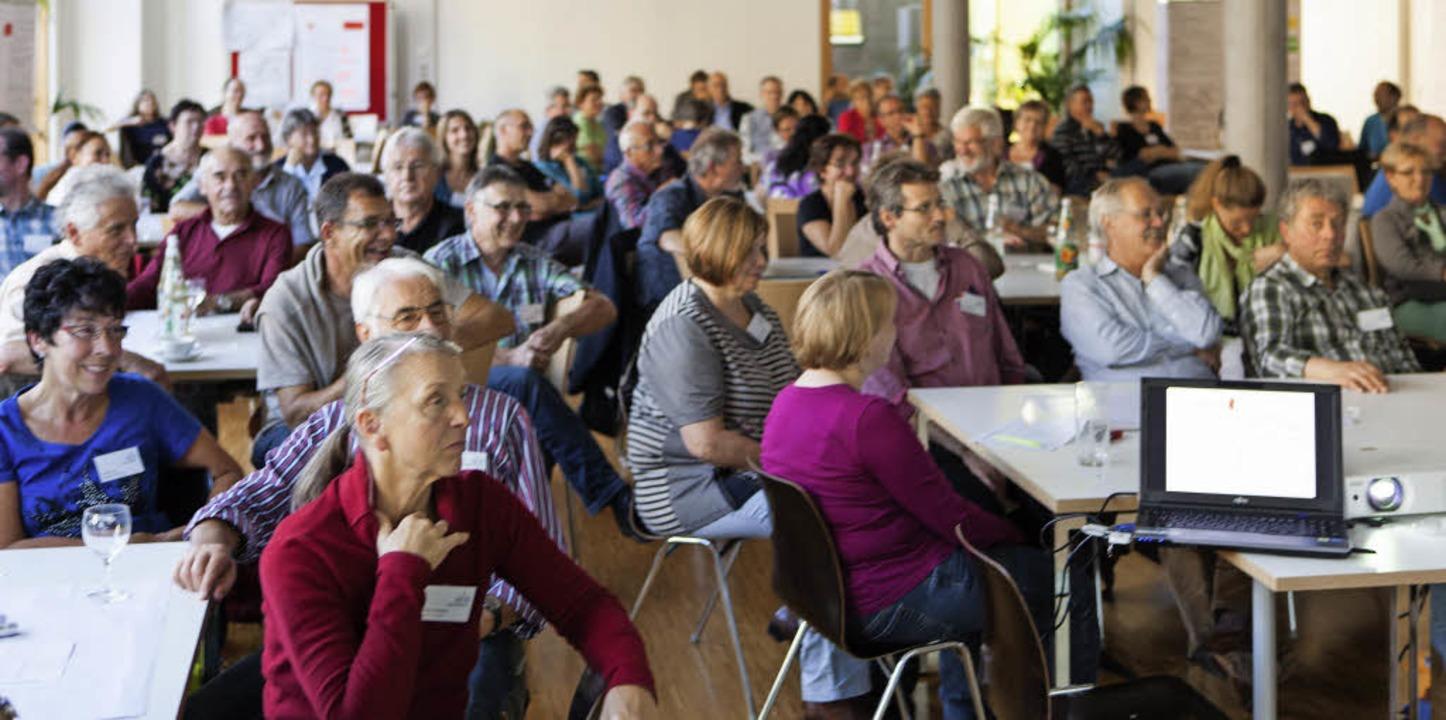 Beim zweiten Bürgerforum diskutierten ... in Waldkirch Handlungsbedarf besteht.  | Foto: Photographer: Gabriele Zahn