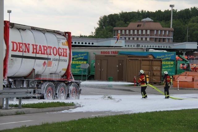 Pentan ausgelaufen - Gefahrstoffeinsatz am Autobahngrenzübergang