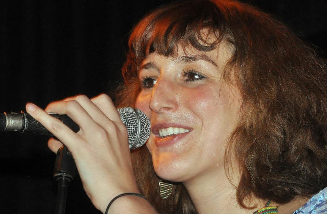 In Freiburg studiert: Corinna Krome, Sängerin von Yalta Club.   | Foto: Rother