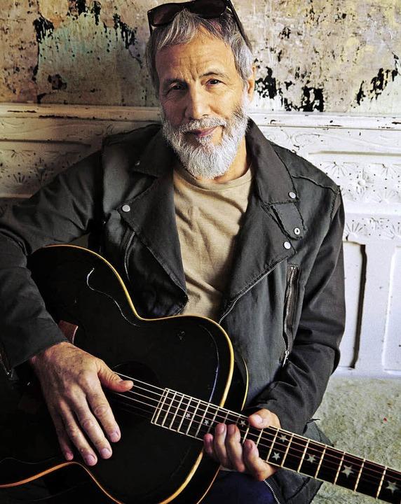Sinnsucher mit schwarzer Gitarre:  Yusuf  | Foto: Danny Clinch