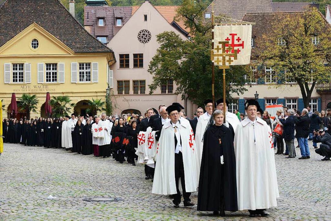 500 Ritter und Damen des päpstlichen R...e  ihre Herbstversammlung in Freiburg.  | Foto: Rita Eggstein