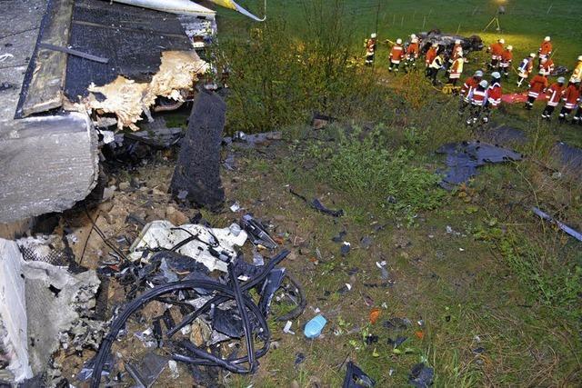Tödlicher Unfall – Beifahrer flüchtet