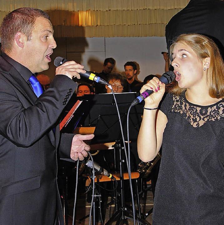 Mit ihrer Gesangseinlage  begeisterten...n, zeigte sein Können an der Posaune.   | Foto: Hanswalter Mark
